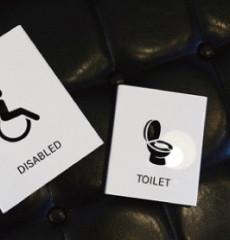 Float / 플로트 / 전면형 화장실 표지판